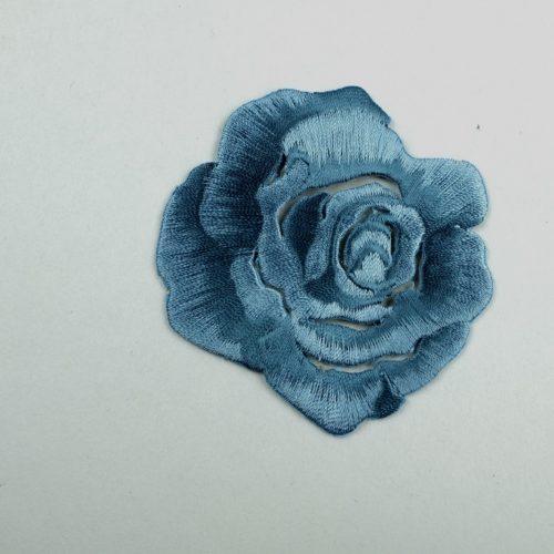 Strijkapplicatie van een jeansblauwe roos. - Seegers Fournituren